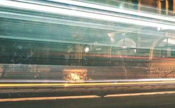 Halos de luces en la ciudad