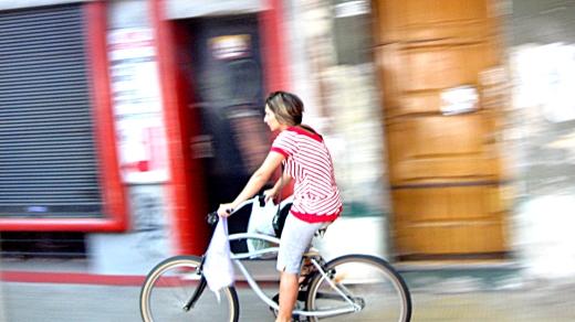 chica_en_bicicleta