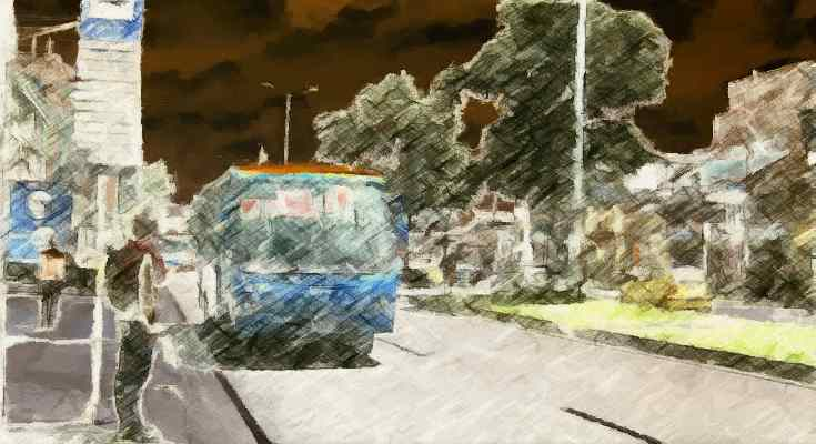 Bus circulando, foto con efecto pinceladas y colores invertidos