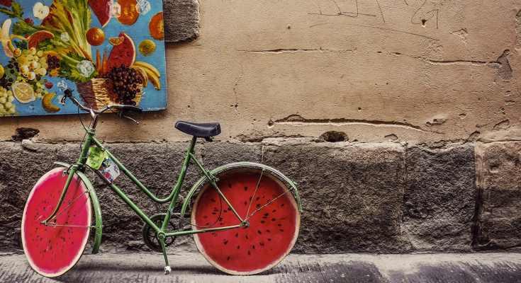 Bici con ruedas de sandía